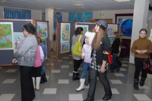 В информационном центре Волгодонской атомной станции открылась выставка детского рисунка