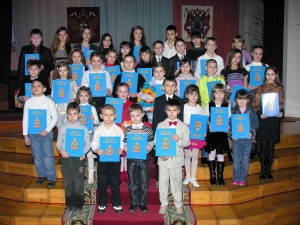 Дети сотрудников Донской милиции нарисовали своих мам и пап