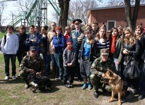 Маленькие россияне и французы, затаив дыхание, слушали рассказ о героях Великой Отечественной войны