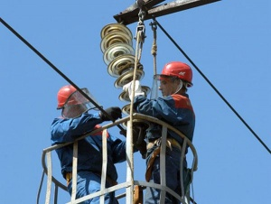 Специалисты ОАО «МРСК Юга» оперативно ликвидируют последствия циклона, проходящего над территорией Ростовской области