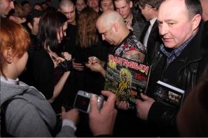 Легендарные вокалисты «Iron Maiden» растопили ростовскую зиму