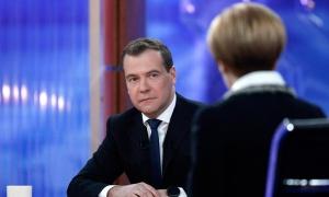 Медведев: С деньгами в бюджете все в порядке