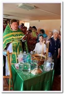 День Петра и Февронии: приход не вместил всех желающих